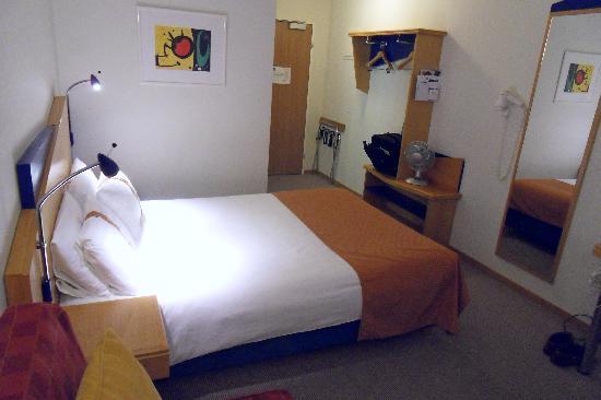 Holiday Inn Express Luzern: Typical HI Express Room