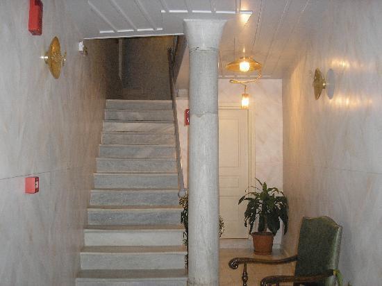 Villa Selena: Entryway