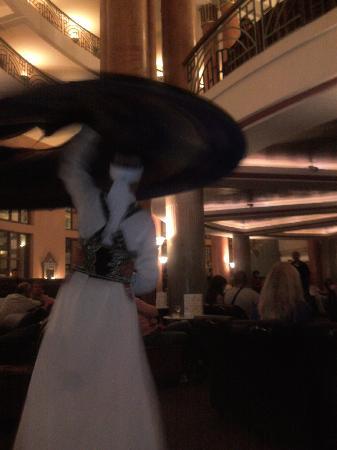Hôtel Agadir Beach Club : danseur de Tanoura