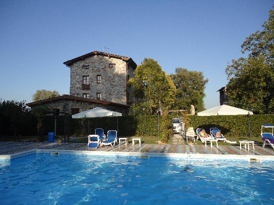 Villa Corte Degli Dei: Pool View