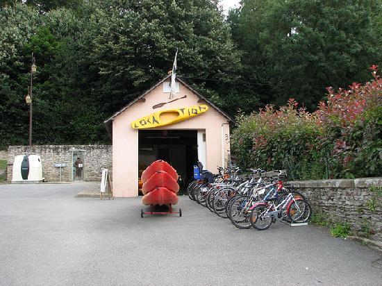 Nantes Brest Canal: Bike & canoe hire at Josselin