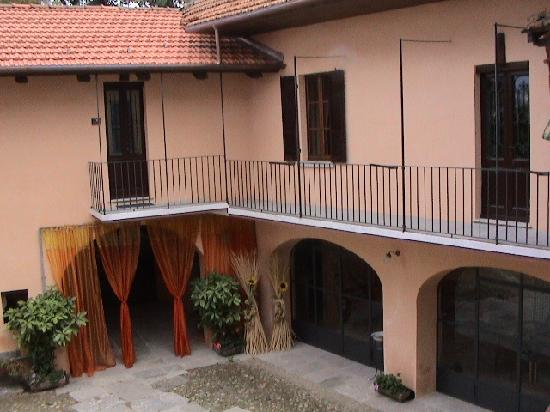 Osteria di San Giulio Bed and Breakfast: Il cortile