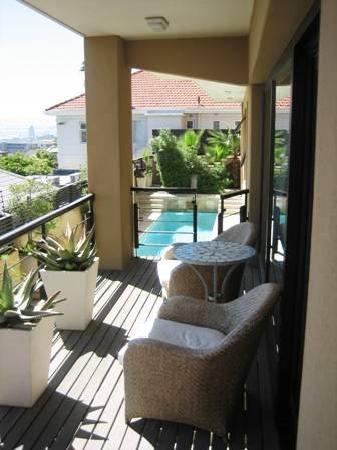 Ten on Joubert: Apartment view over pool