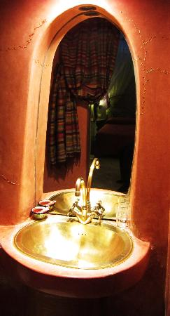 Riad Villa Harmonie: The bathroom