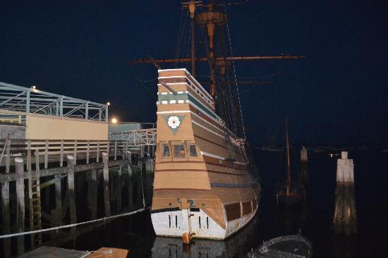 Mayflower II: ship at night