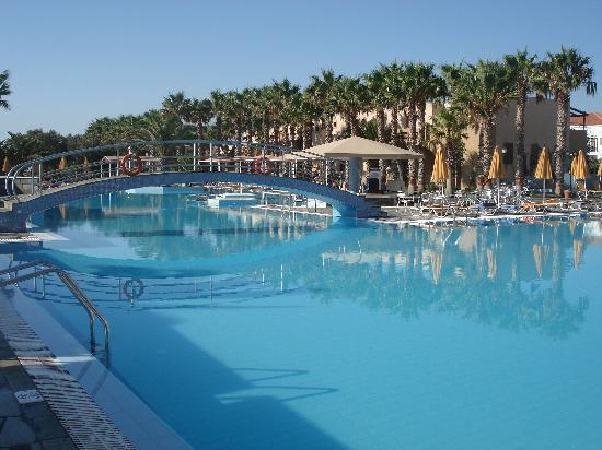 Atlantica Porto Bello Beach : la piscine