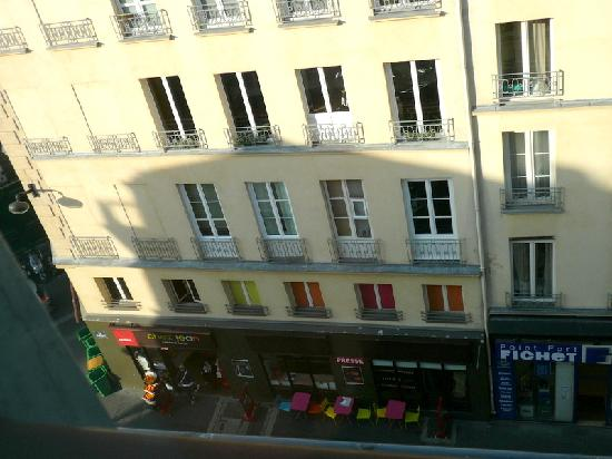 Vista Hacia La Derecha Picture Of Ibis Paris Grands