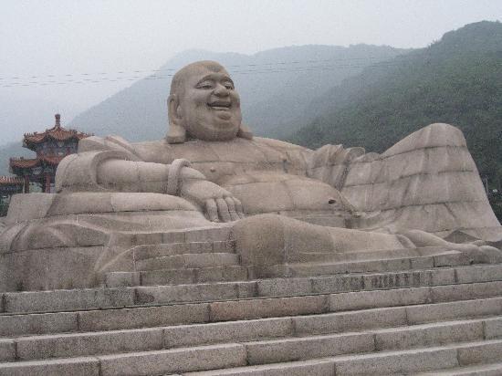 Fengshan Hotspring: Giant Buddha