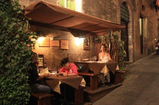 Grotta di Santa Caterina: Restaurante em Siena