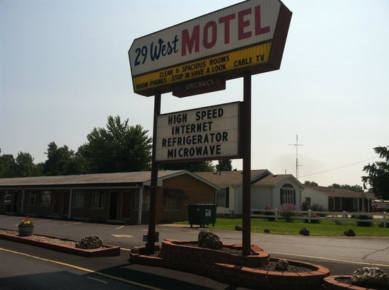 29 West Motel: Sign