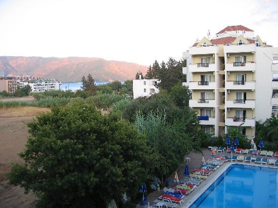 Prestige Hotel & Apart: Utsikt ifrån balkongen