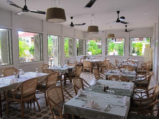 Bambu Battambang Hotel: the dining room
