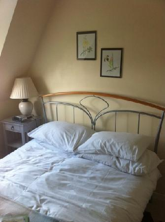 Cambridge House: Double bedroom with private bathroom