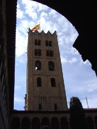 Monestir de Santa Maria de Ripoll: Torre monestir desde el claustro