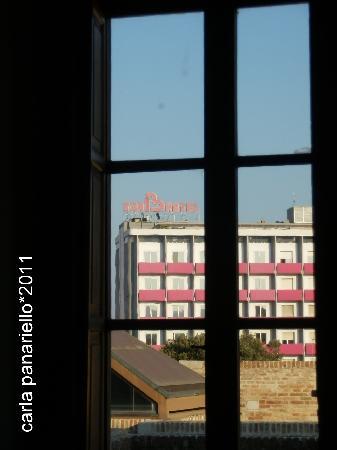 Il Senbhotel visto da Palazzo del Duca