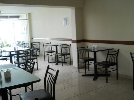 Miraflores Inn: Cafeteria
