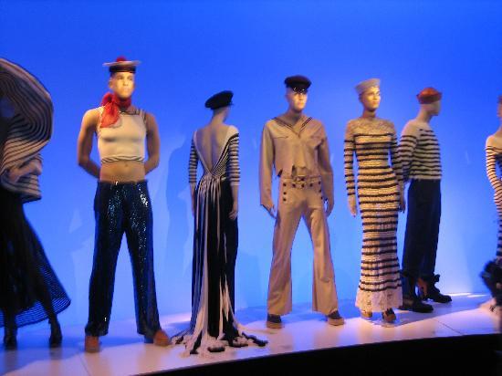 Musée des beaux-arts de Montréal : Gaultier Mannequins