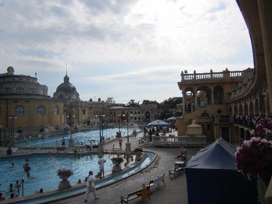 Széchenyi Baths and Pool: pool