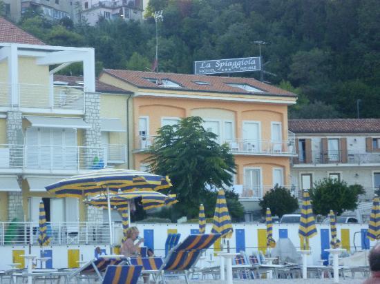 Hotel sulla spiaggia foto di hotel meubl la spiaggiola for Hotel meuble park spiaggia