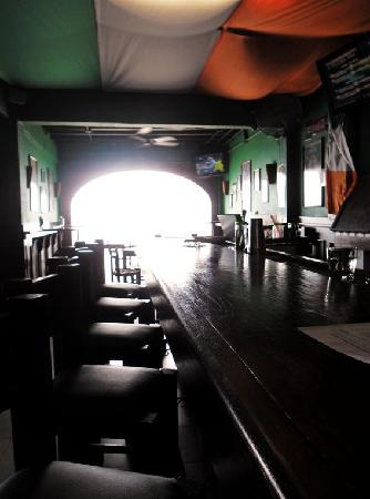 Murphy's Irish Pub: Looking down the bar (During the day)