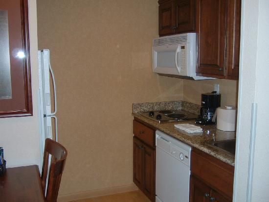 Homewood Suites by Hilton Fargo: Kitchen