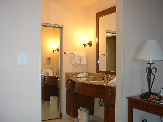 Homewood Suites by Hilton Fargo : Vanity area.