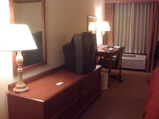 Country Inn & Suites By Carlson, Atlanta Northwest at Windy Hill Road: Nice desk area
