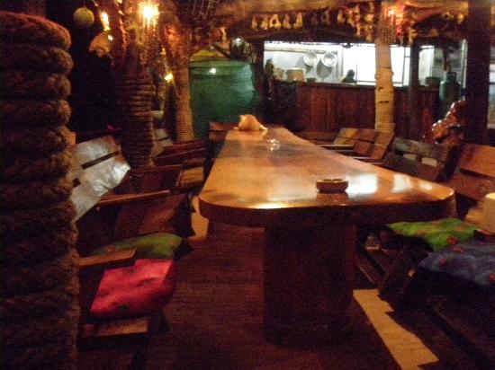 Lanta Klong Nin Beach Resort : Ottos Bar, down the road