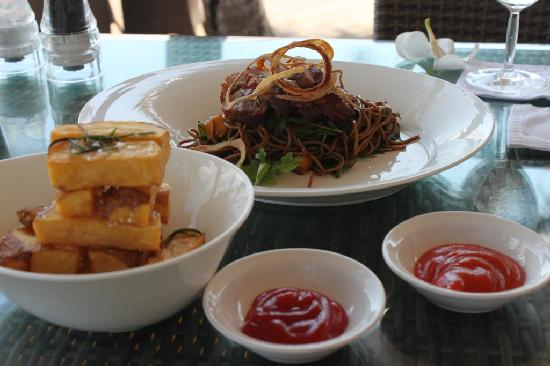 Breeze at The Samaya Seminyak: Light brunch on arrival at the Samaya - superb!