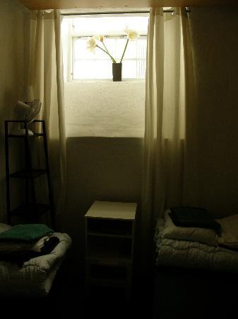 Dockside Hostel: double room in basement