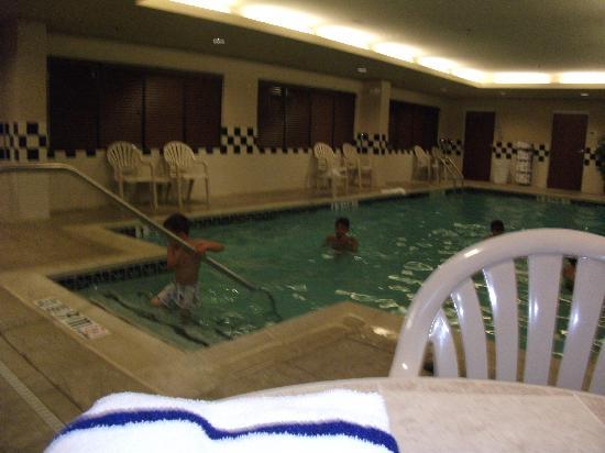 هامبتون إن نورث برونسويك / نيو برونسويك: Pool