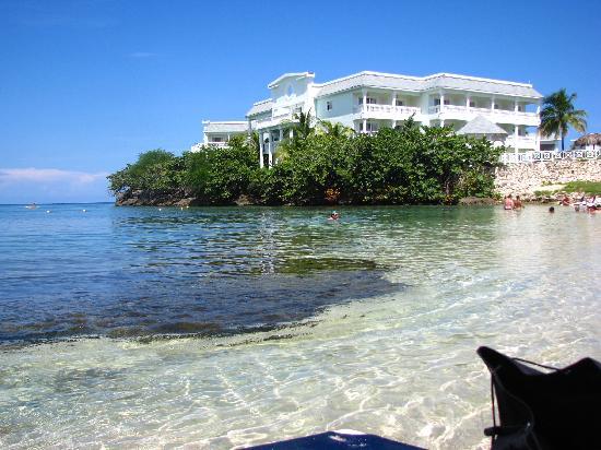 แกรนด์ปัลลาเดี่ยม รีสอร์ท&สปา: Coral Beach