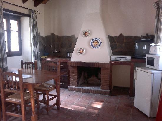 Interior casa de piedra fotograf a de complejo turistico - Piedra de interior ...