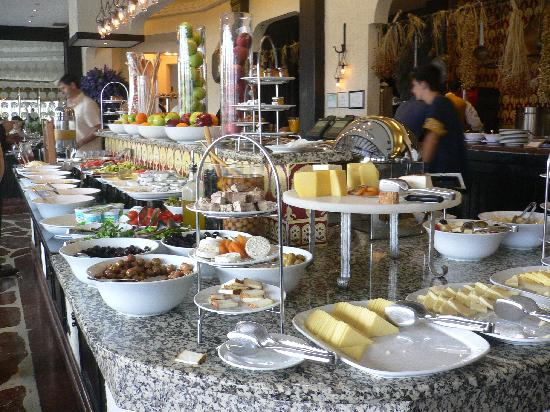 The Marmara Taksim: Desayuno Hotel
