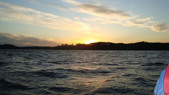 Temiskaming Shores, Canada : Sunset on Lady Evelyn Lake