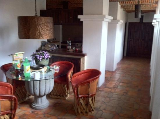 Hotel Danza Del Sol: comedor y cocina