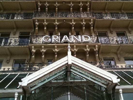 เดอ เวียร์ โฮเต็ล เดอะ แกรนด์ ไบรท์ตัน: The Grand old lady is creaking