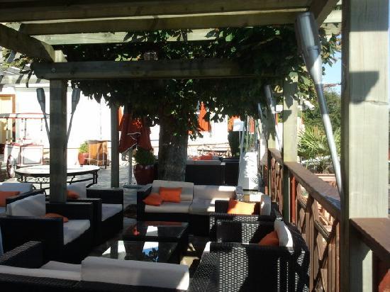 Les Tresoms, Lake and Spa Resort : terrasse
