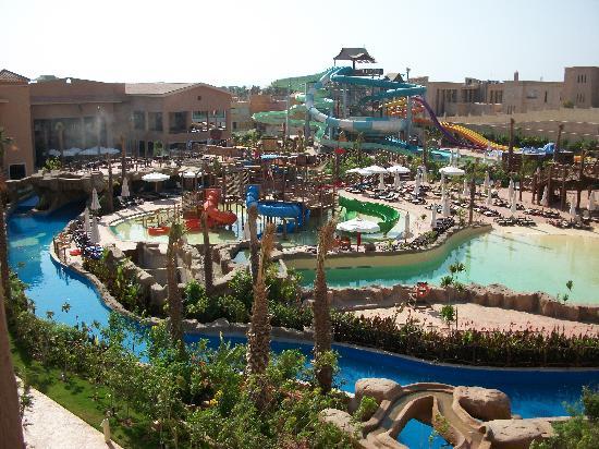 Coral Sea Aqua Club Resort : slides