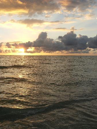 Treasure Bay Resort & Marina: sunset