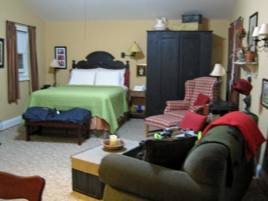 Piney Hill Bed & Breakfast: The sitting and bedroom areas