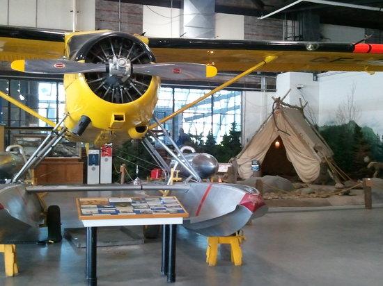Canadian Bushplane Heritage Centre: deHavilland DHC-2 Beaver, 1940s fire camp