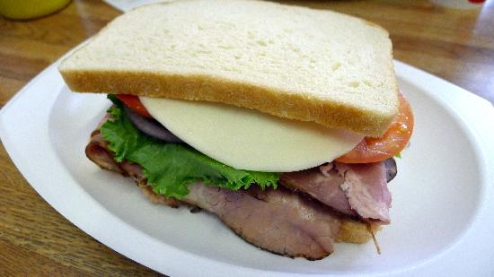 Tioga Gas Mart & Whoa Nellie Deli: Roast Beef Sandwich