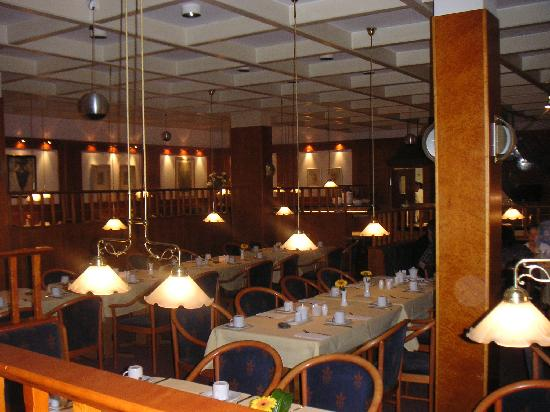 Strandhotel Weissenhaeuser Strand: Blick in das Restaurant