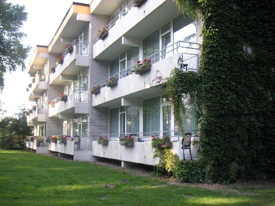 Strandhotel Weissenhaeuser Strand: Eine Außenansicht des Hotels