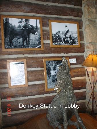 Grand Canyon Lodge - North Rim: Donkey Statue