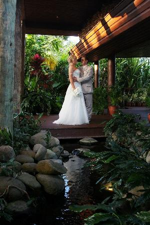 Outrigger Fiji Beach Resort: Our Wedding day ~ Picture perfect
