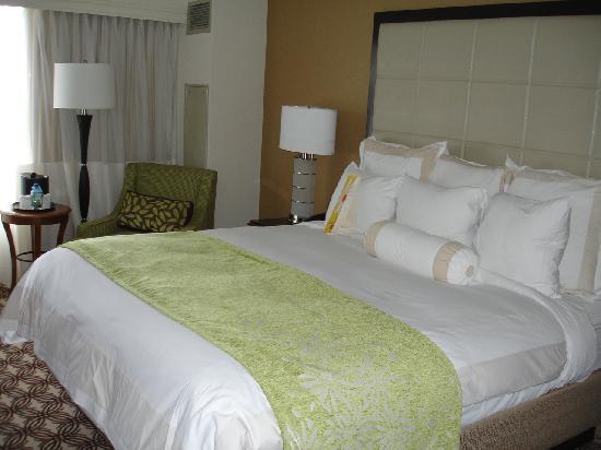 Boston Marriott Quincy: Comfortable bed