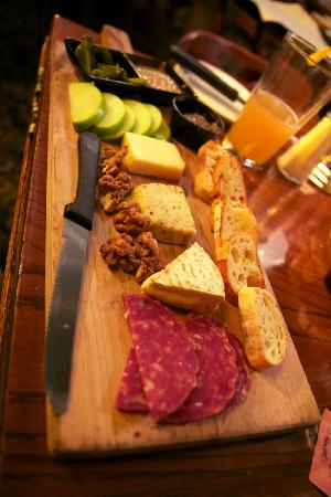 Slocums Grill & Bar: Artisan cheese & salami board