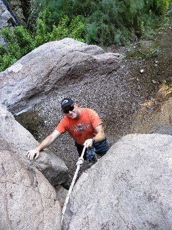 Gold Strike Canyon Hot Springs: Hubby climbing down one section